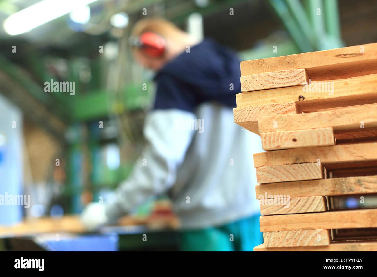 I pallet in legno factory Immagini Stock