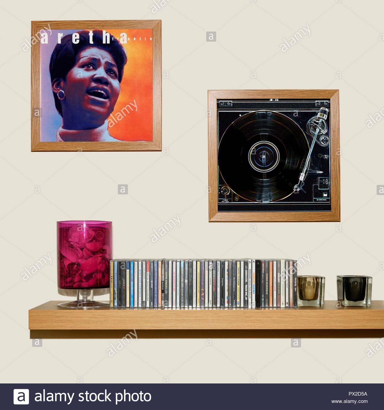 Raccolta di CD e incorniciato Aretha Franklin album, Inghilterra Foto Stock