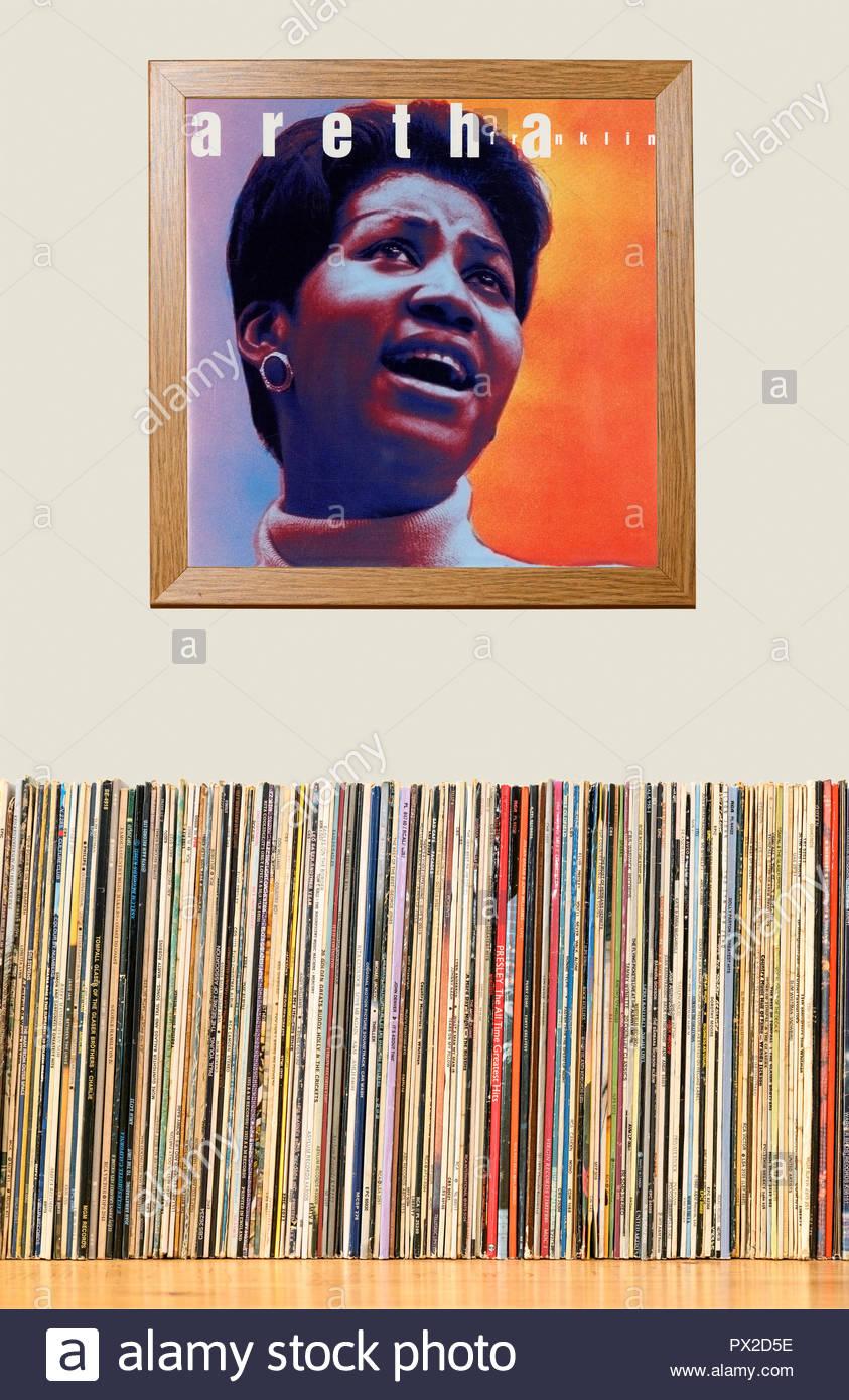 Collezione di LP e incorniciato Aretha Franklin album, Inghilterra Foto Stock