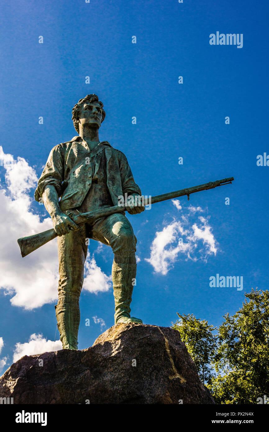 Minuteman statua Battaglia di Lexington Green _ Lexington, Massachusetts, STATI UNITI D'AMERICA Foto Stock