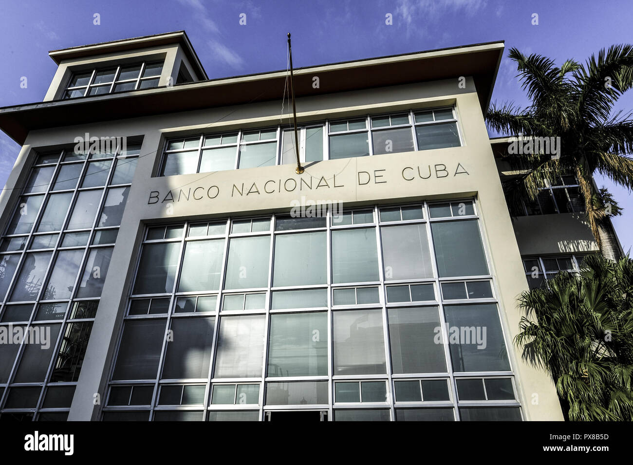 Cuba Santiago de Cuba, Parque Cespedes, Banco Nacional de Cuba, municipio Immagini Stock