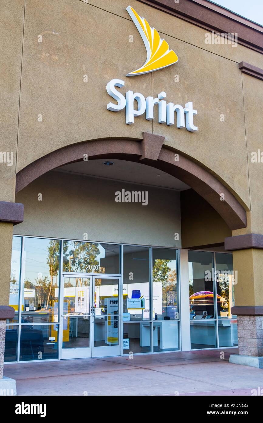 American società di telecomunicazioni negozio Sprint edificio segno esterno e il logo Immagini Stock