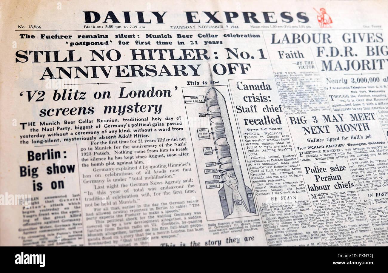 'Still No Hitler:.....' 'V2 blitz su schermi di Londra mistero' front page headline del Daily Express quotidiano nella Seconda Guerra Mondiale la SECONDA GUERRA MONDIALE 9 Nov 1944 Immagini Stock