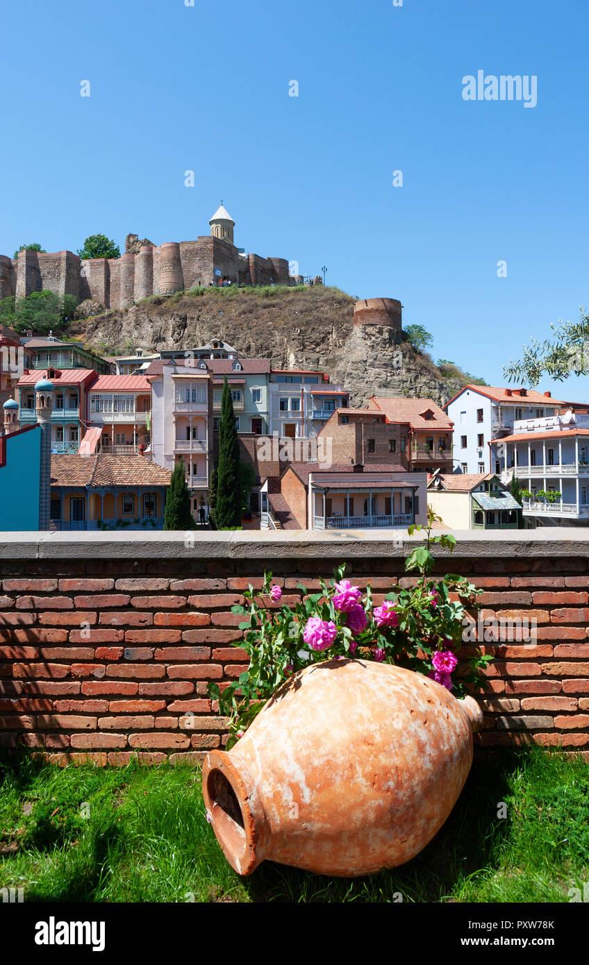 Anfore Con Fiori.La Georgia Tbilisi Narikala Di Rocca Con Fiori E Anfore In