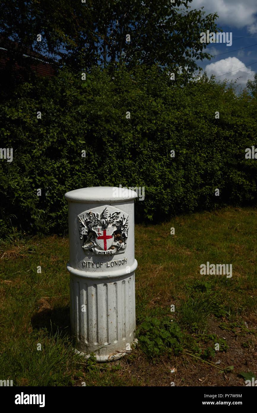 Milemarker a New Addington, Croydon, Inghilterra, Regno Unito, Europa Immagini Stock