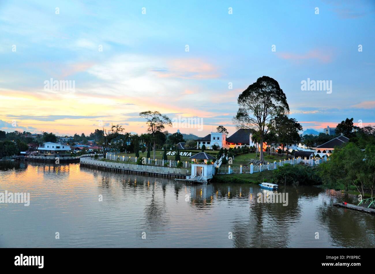 Sarawak astana palazzo del governatore mansion su Sarawak Riverwaterfront Kuching Malesia orientale Foto Stock