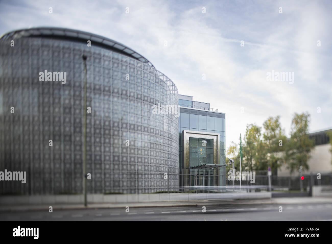 09.10.2018, Berlin: Blick auf die Botschaft des Königreichs Saudi-Arabien a Berlino.(Aufahme mit Tilt-Shift Objekiv) Foto: Wolfram Kastl/dpa | Utilizzo di tutto il mondo Immagini Stock