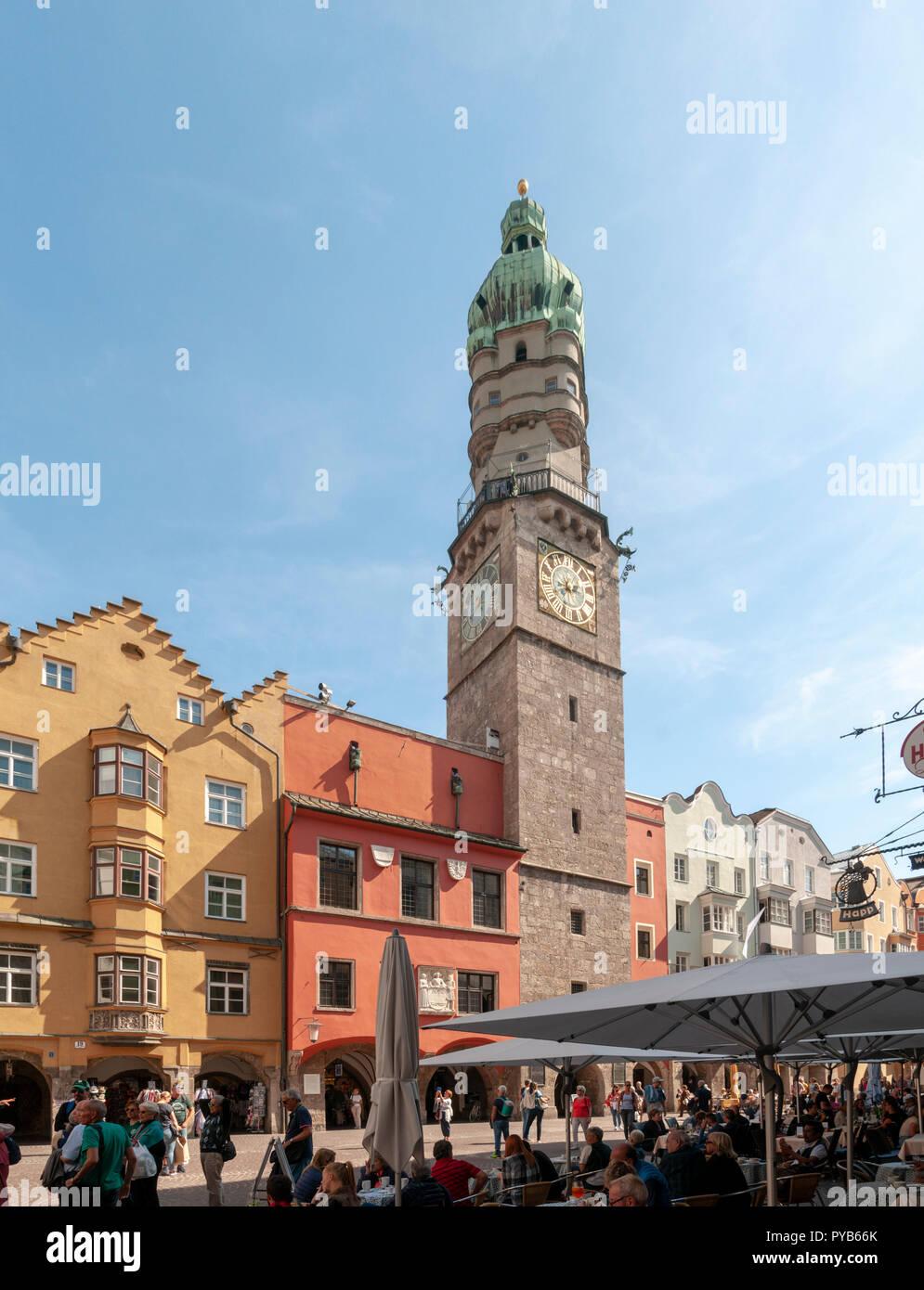 Austria, Innsbruck municipio storico (eretto 1358) in Herzog-Friedrich Strasse nel centro storico Foto Stock