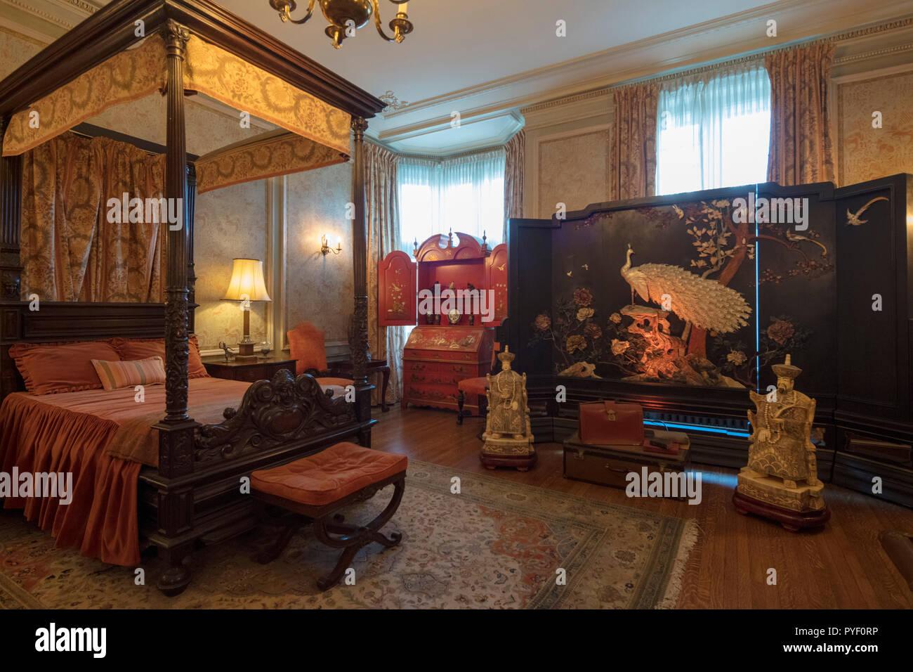 Camera Per Ospiti : Camera per ospiti in stile cinese casa loma revival gotico