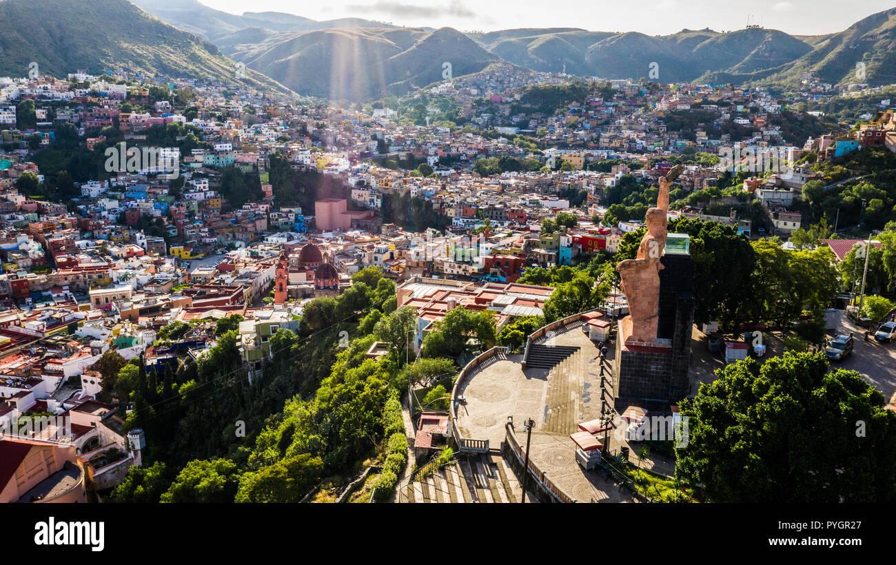 Monumento al Pipila, Statua di al Pipila sopra la città vecchia, Guanajuato, Messico Immagini Stock