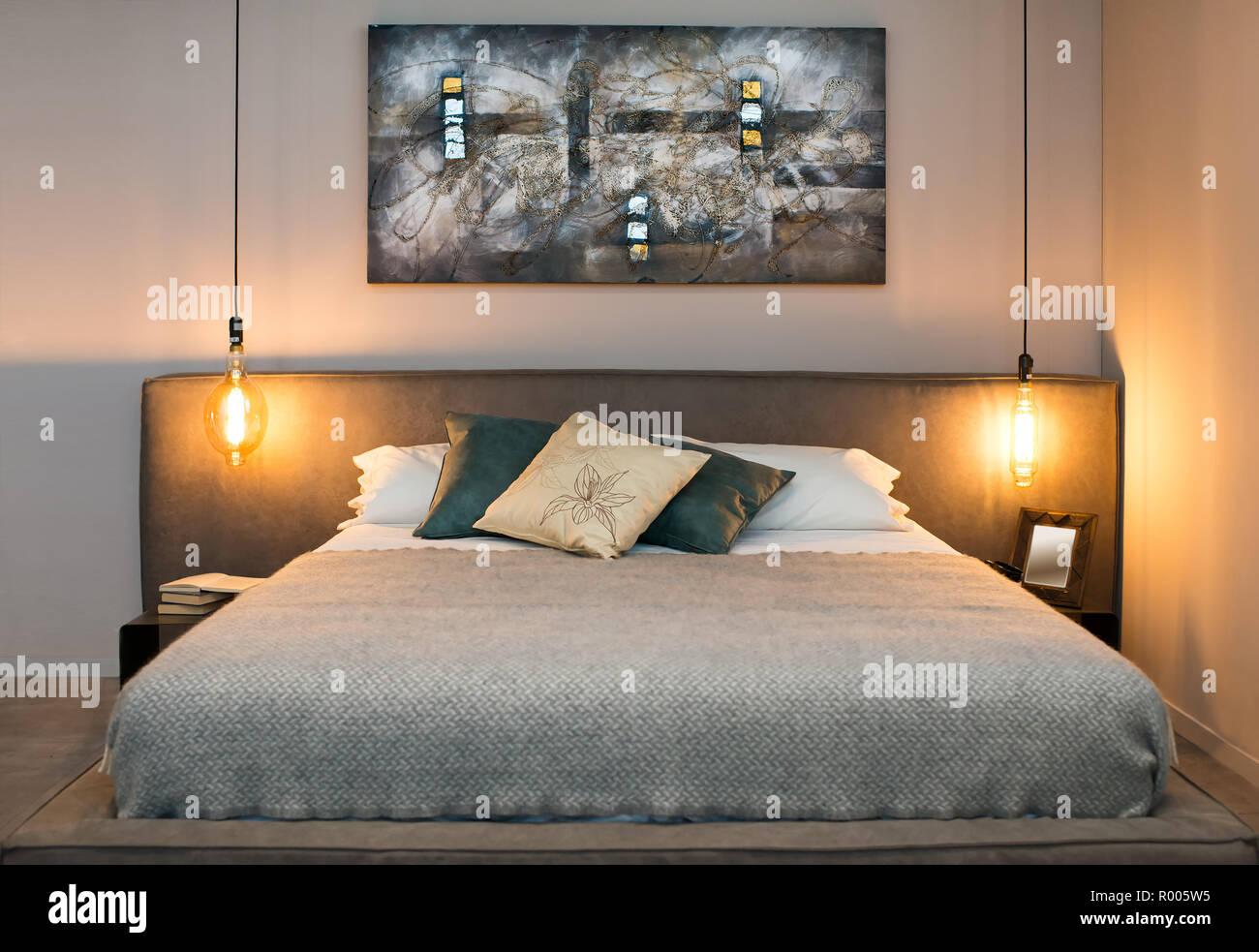 Riscaldare Camera Da Letto concetto di accogliente camera da letto con letto
