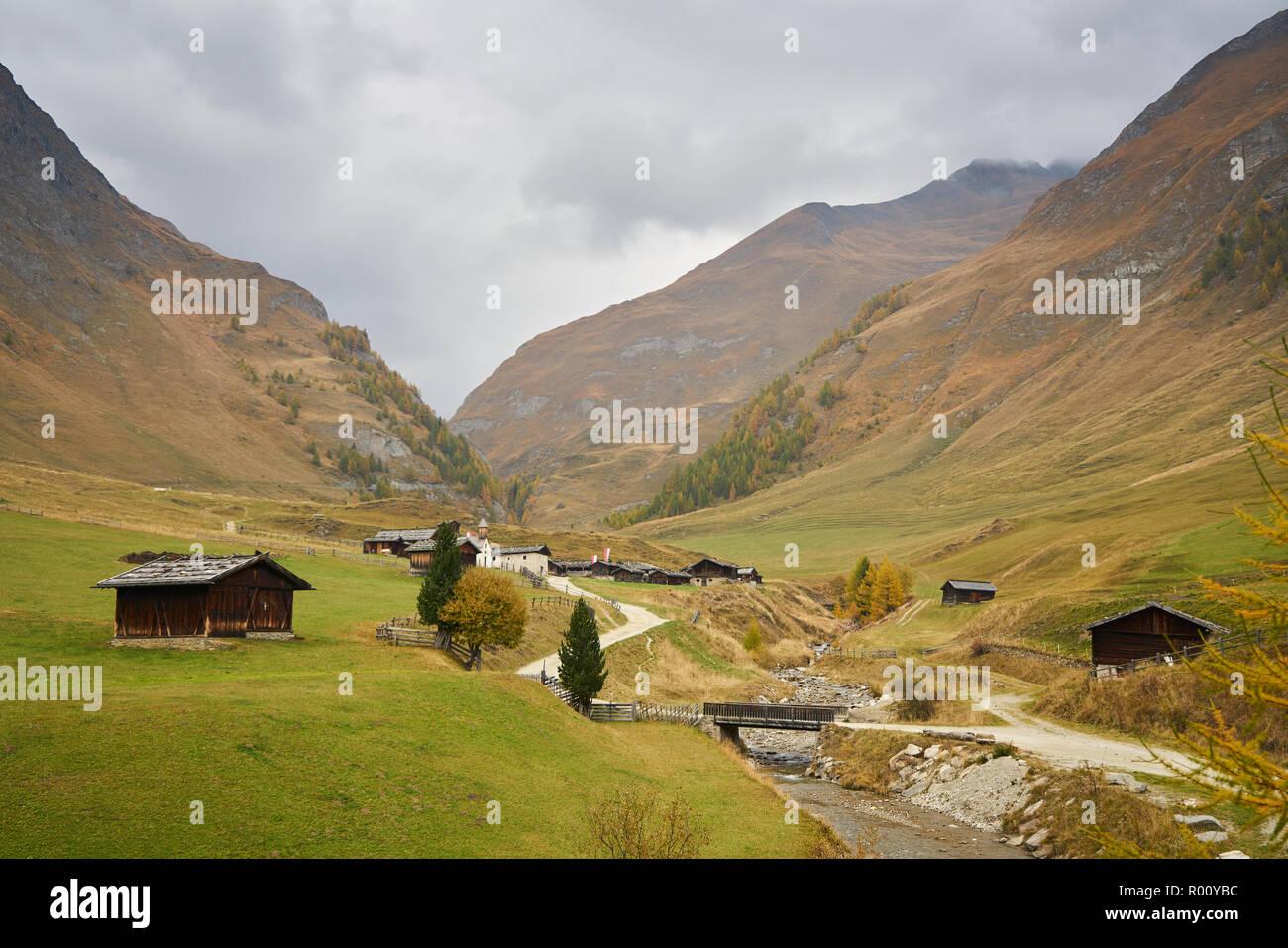 Fane Alm con Pfundigerer montagne, Alto Adige, Italia Foto Stock