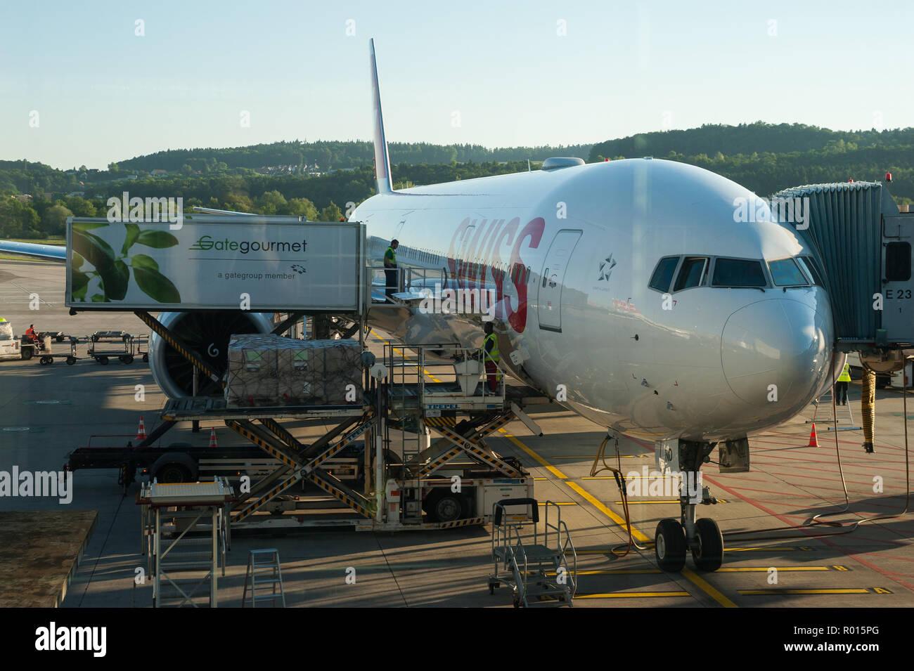Zuerich, Svizzera, aereo all'aeroporto Zuerich-Kloten Foto Stock