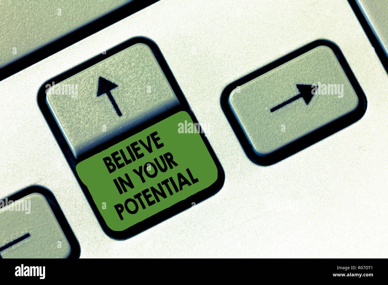 La Credenza Significato : Scrittura testo di credere nel tuo potenziale. concetto