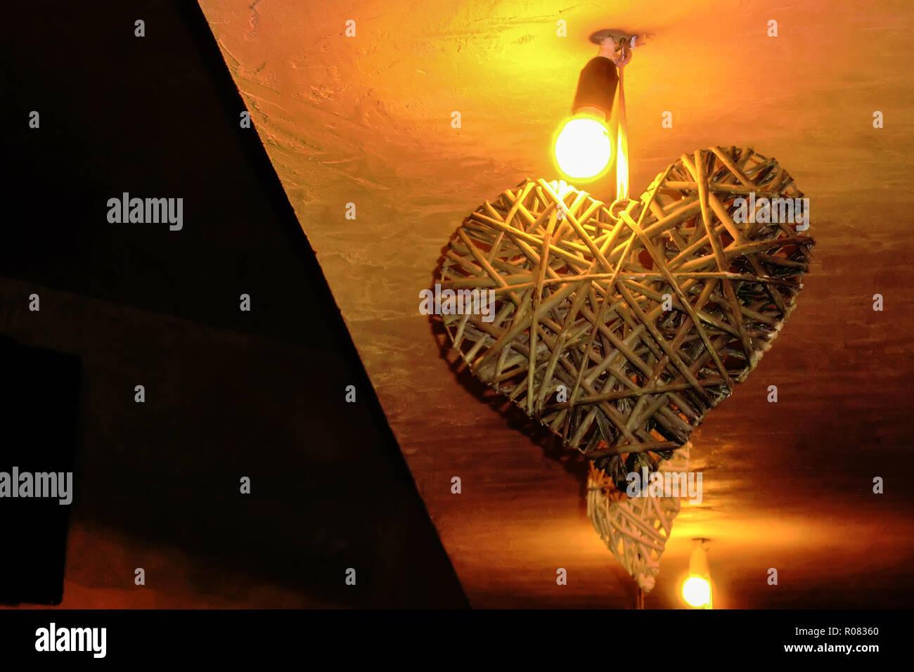 Lampade Attaccate Al Soffitto la decorazione interna a forma di cuore attaccata al