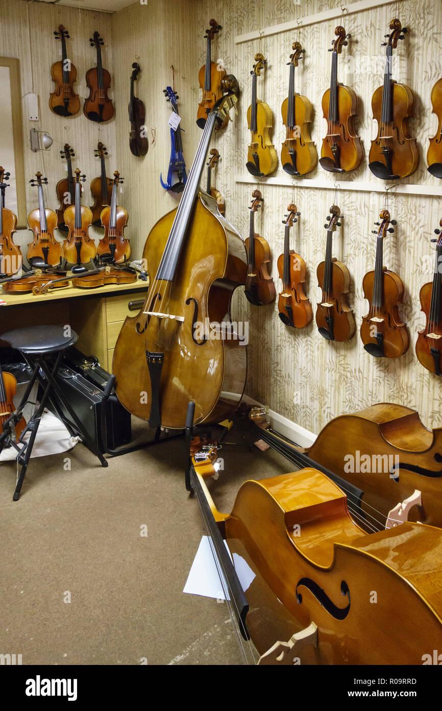 Manchester, Regno Unito. Forsyth, il più antico negozio di musica in Gran Bretagna, fondata nel 1857. Il negozio specializzato per pianoforti e strumenti a corda Immagini Stock