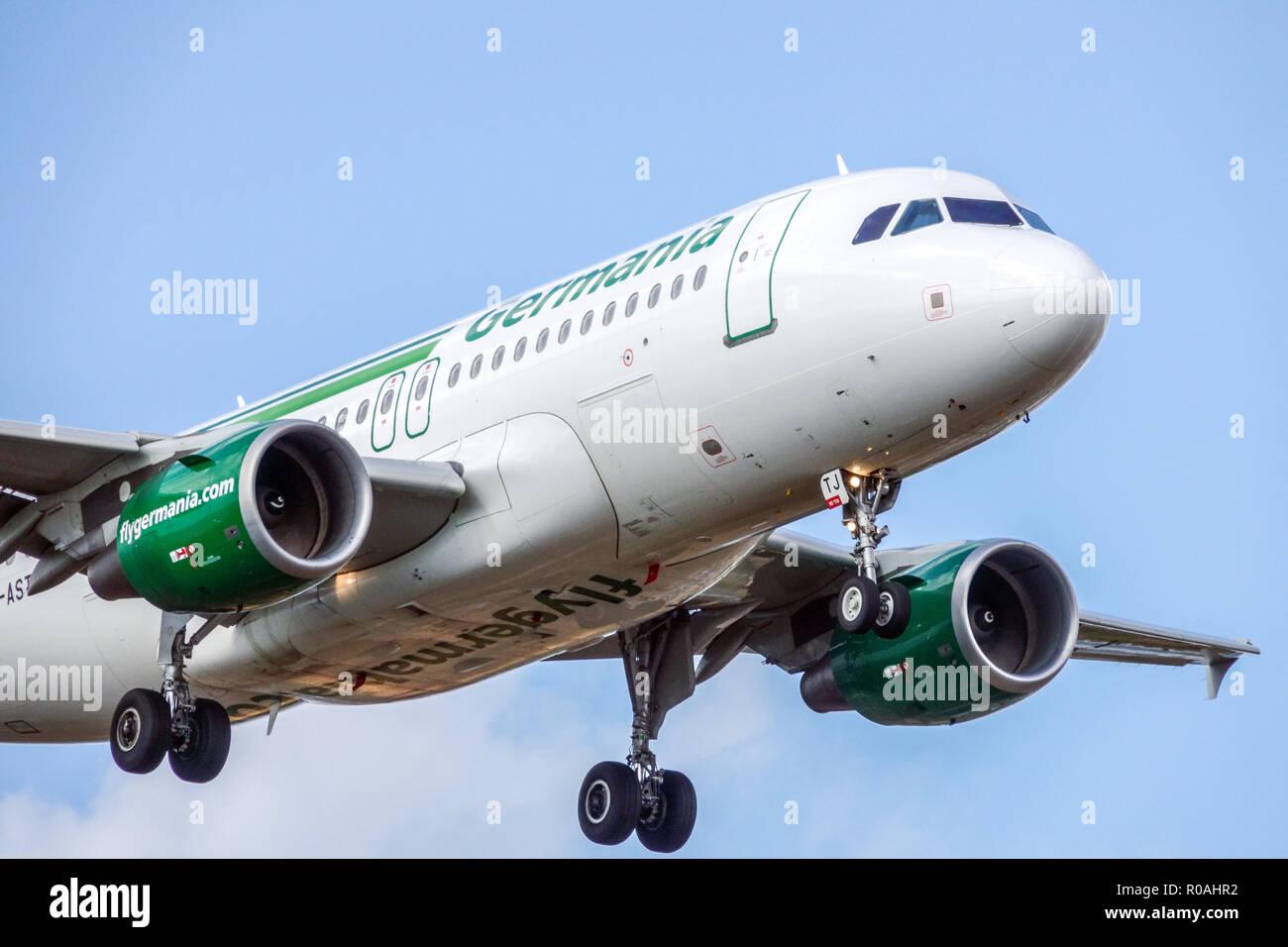 Piano Airbus A319 Germania Airlines in atterraggio Immagini Stock
