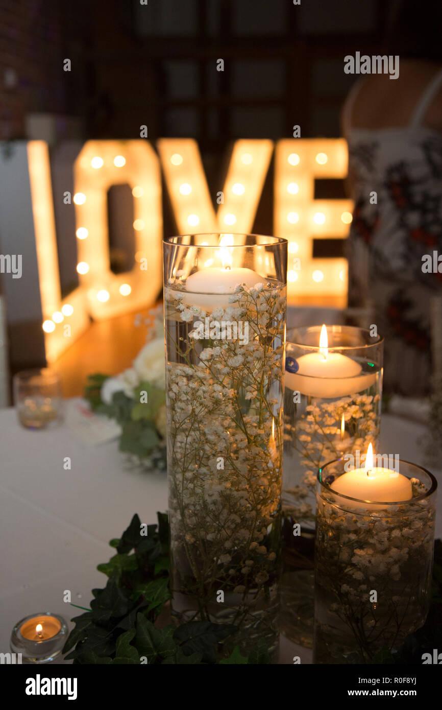 Decorazioni Lettere D Amore lettere di amore e vaso di vetro decorazioni con candele ad