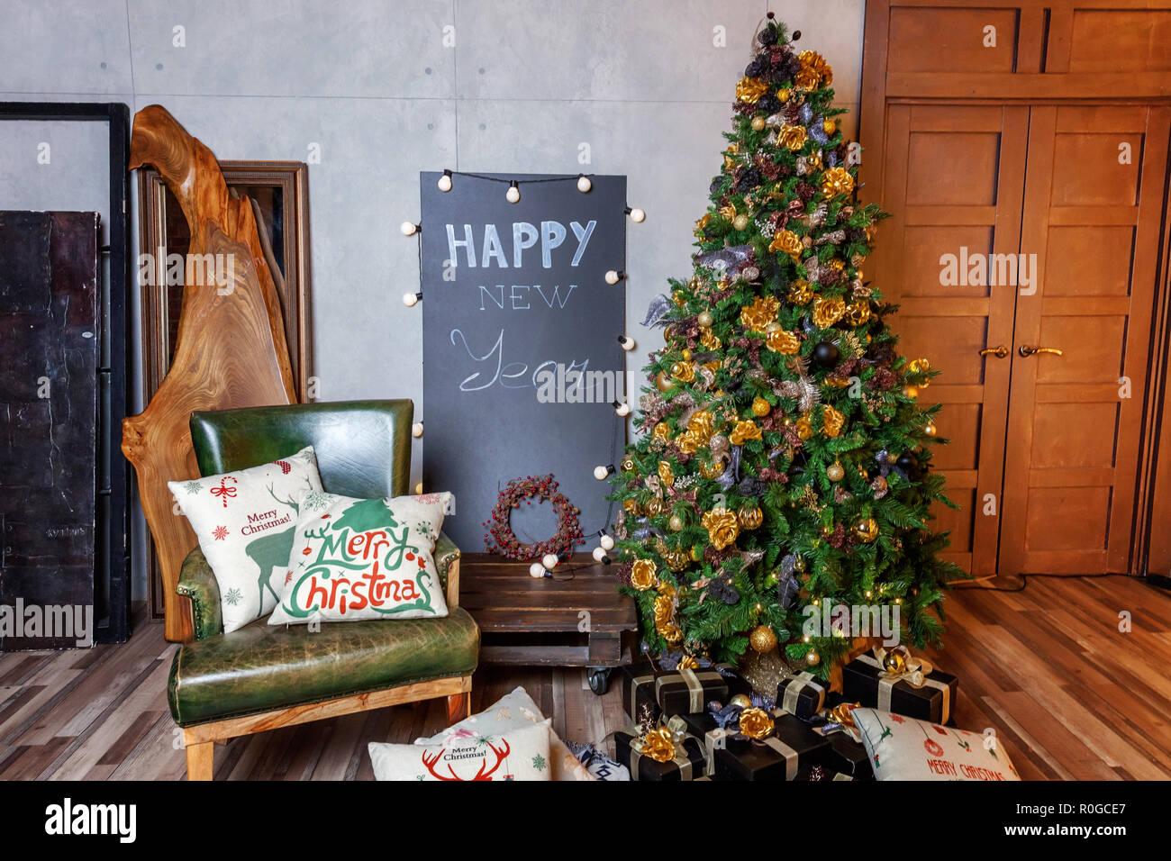Decorazioni Sala Natale : Natale classico nuovo anno decorata sala interna anno nuovo albero