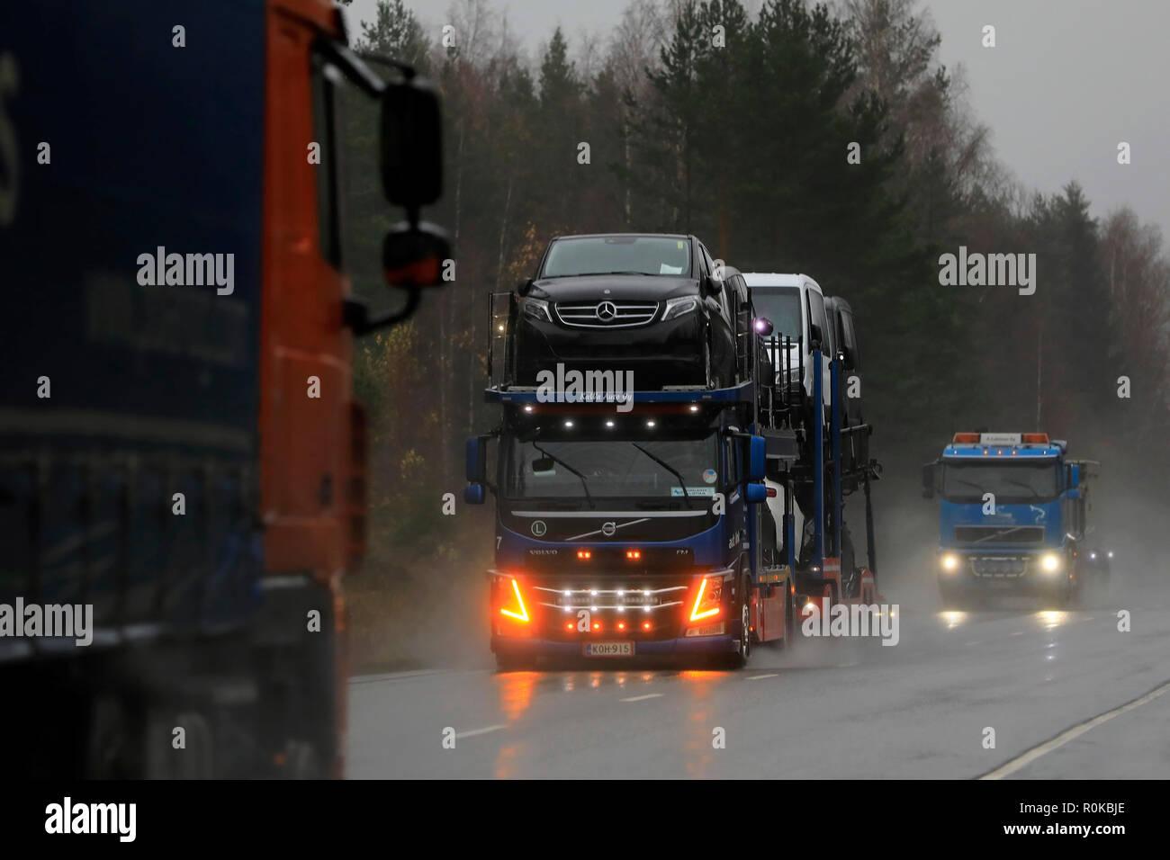 Salo finlandia 2 novembre 2018: volvo fm veicolo di kawa auto oy