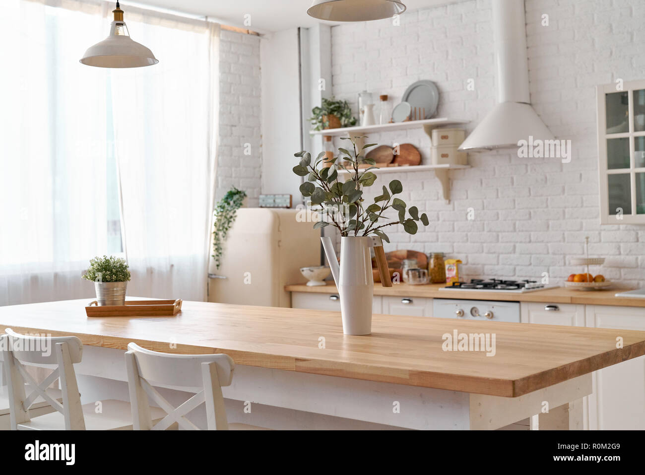 Tavolo da cucina. Cucina dello sfondo Foto & Immagine Stock ...