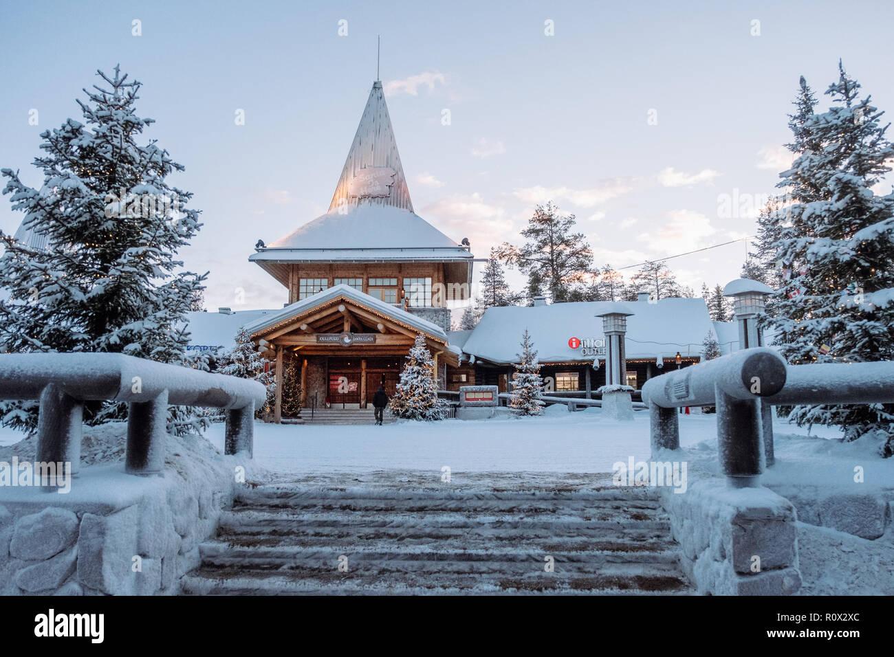Villaggio Babbo Natale Rovaniemi.Villaggio Di Babbo Natale A Rovaniemi Finlandia Foto Immagine