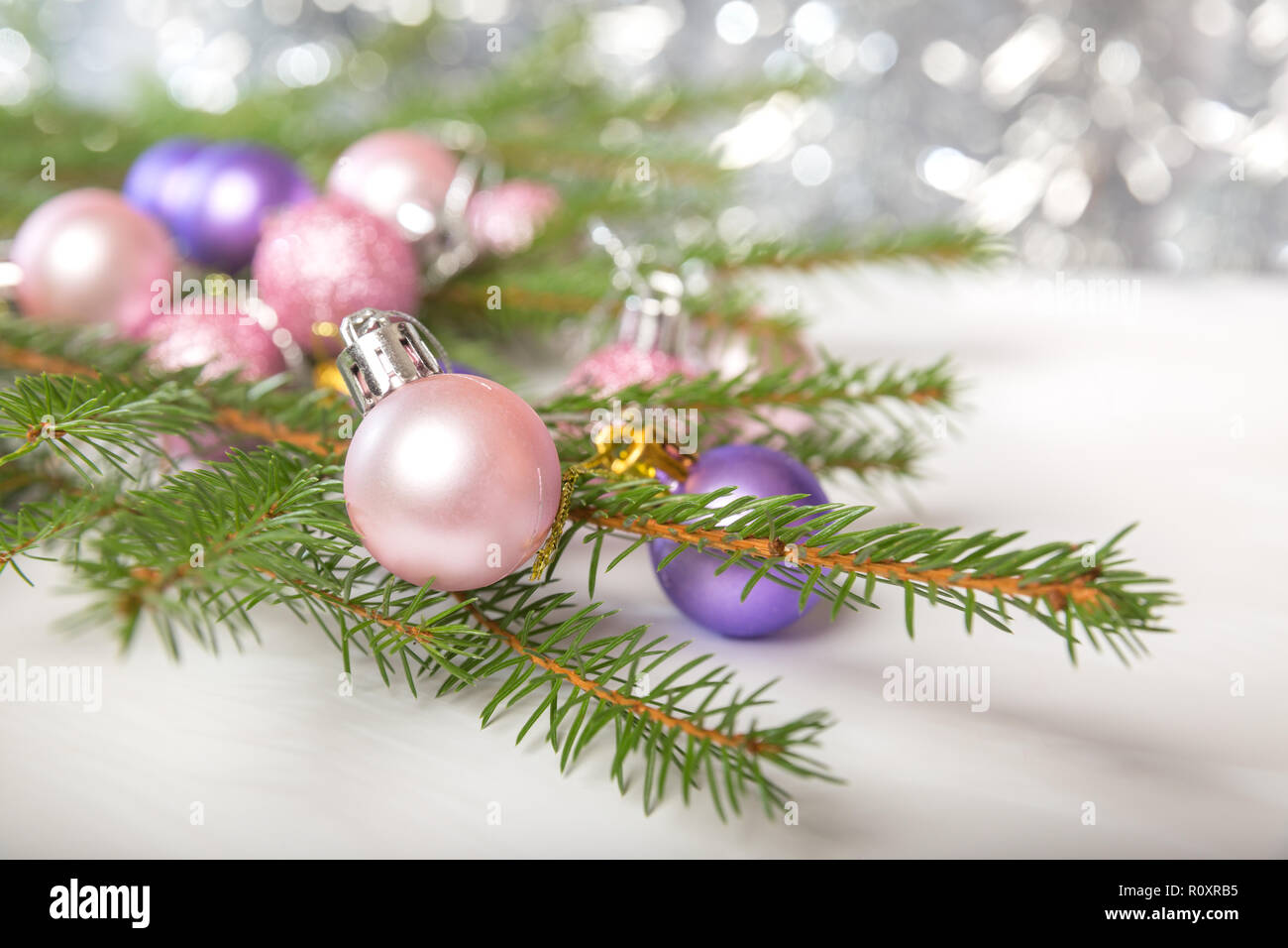 Immagini Piccole Di Natale.Le Decorazioni Di Natale Ramo Di Abete Rosso Con Piccole