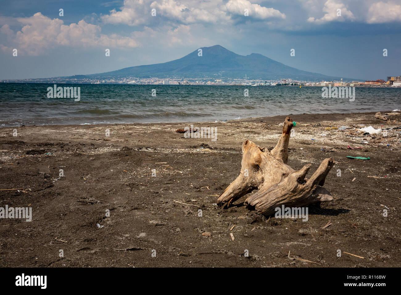 Spiaggia Inquinato A Castellammare Di Stabia Italia Foto