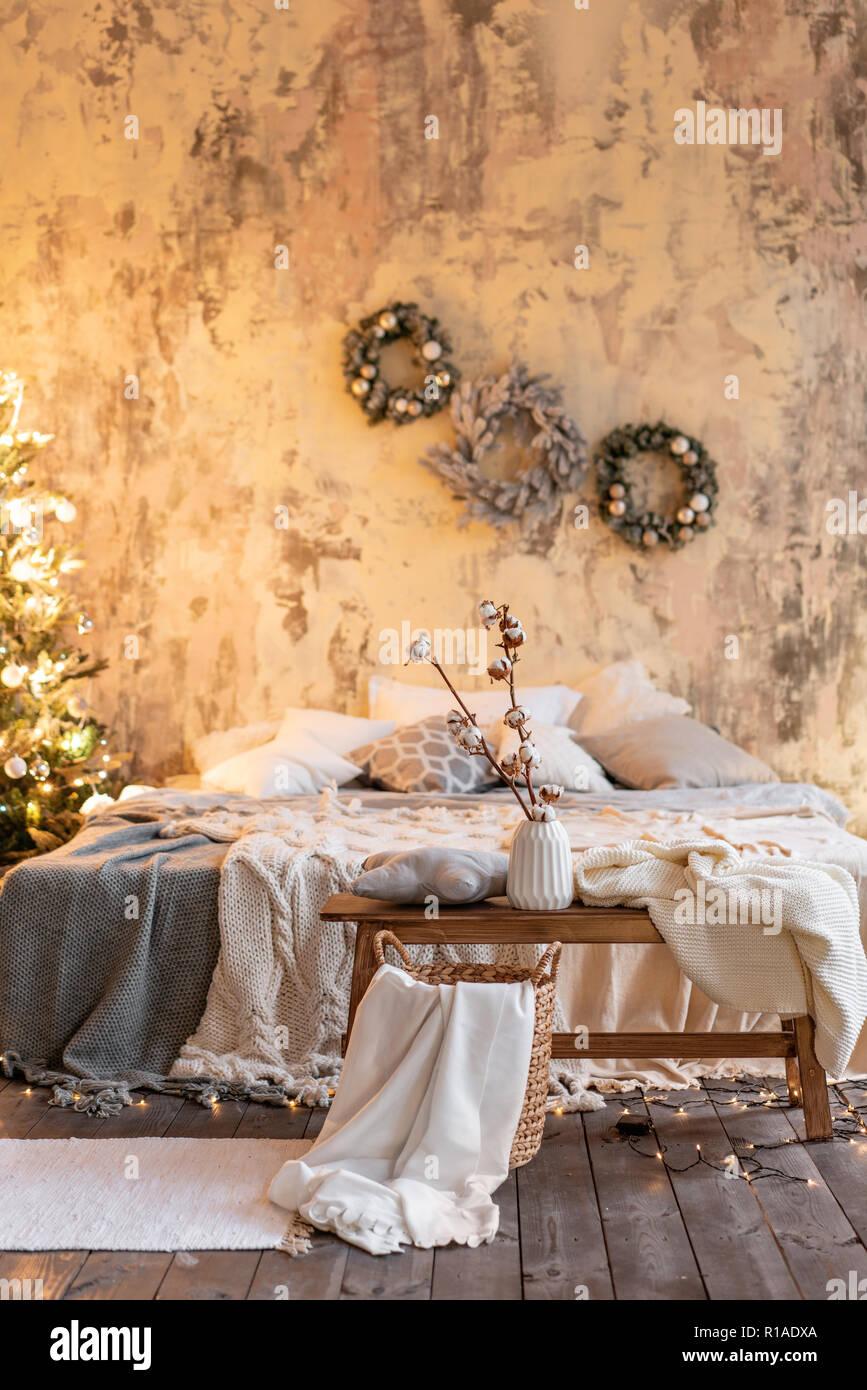 Appartamenti Loft, albero di Natale corona. Letto ...