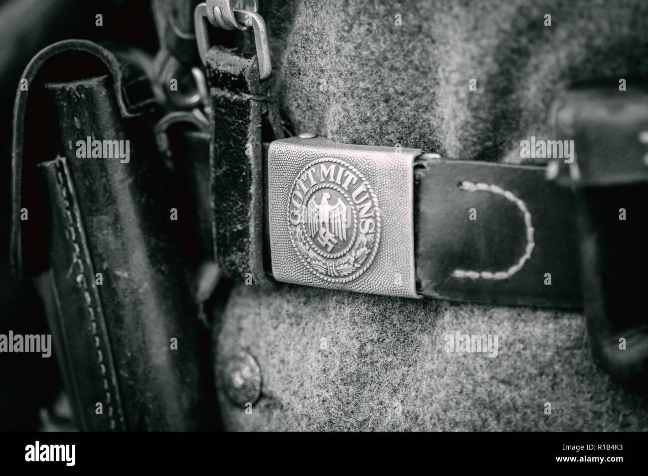 Close-up della fibbia della cintura di sicurezza dai tempi della Seconda Guerra Mondiale. Parte del corredo del soldato tedesco. Immagini Stock