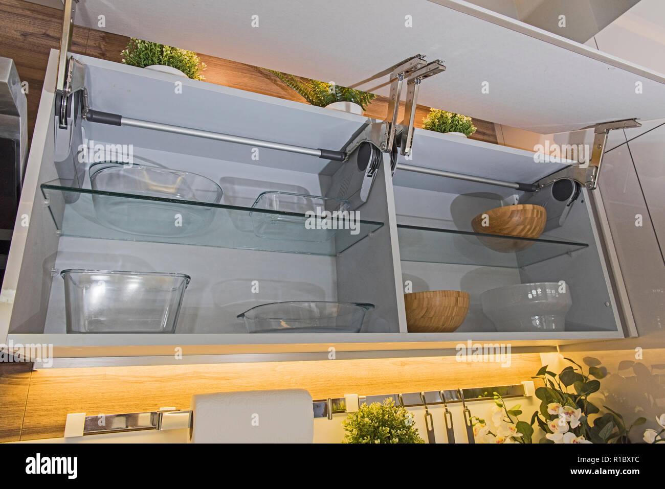 Credenza Moderna Lusso : Interior design arredamento che mostra la cucina moderna credenza