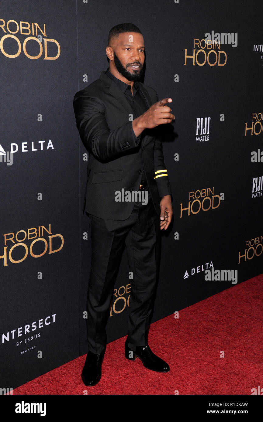 "NEW YORK, NY - novembre 11: Attore Jamie Foxx assiste il ""Robin Hood"" New York proiezione a AMC Lincoln Square Theatre nel novembre 11, 2018 a New York City. Foto Stock"
