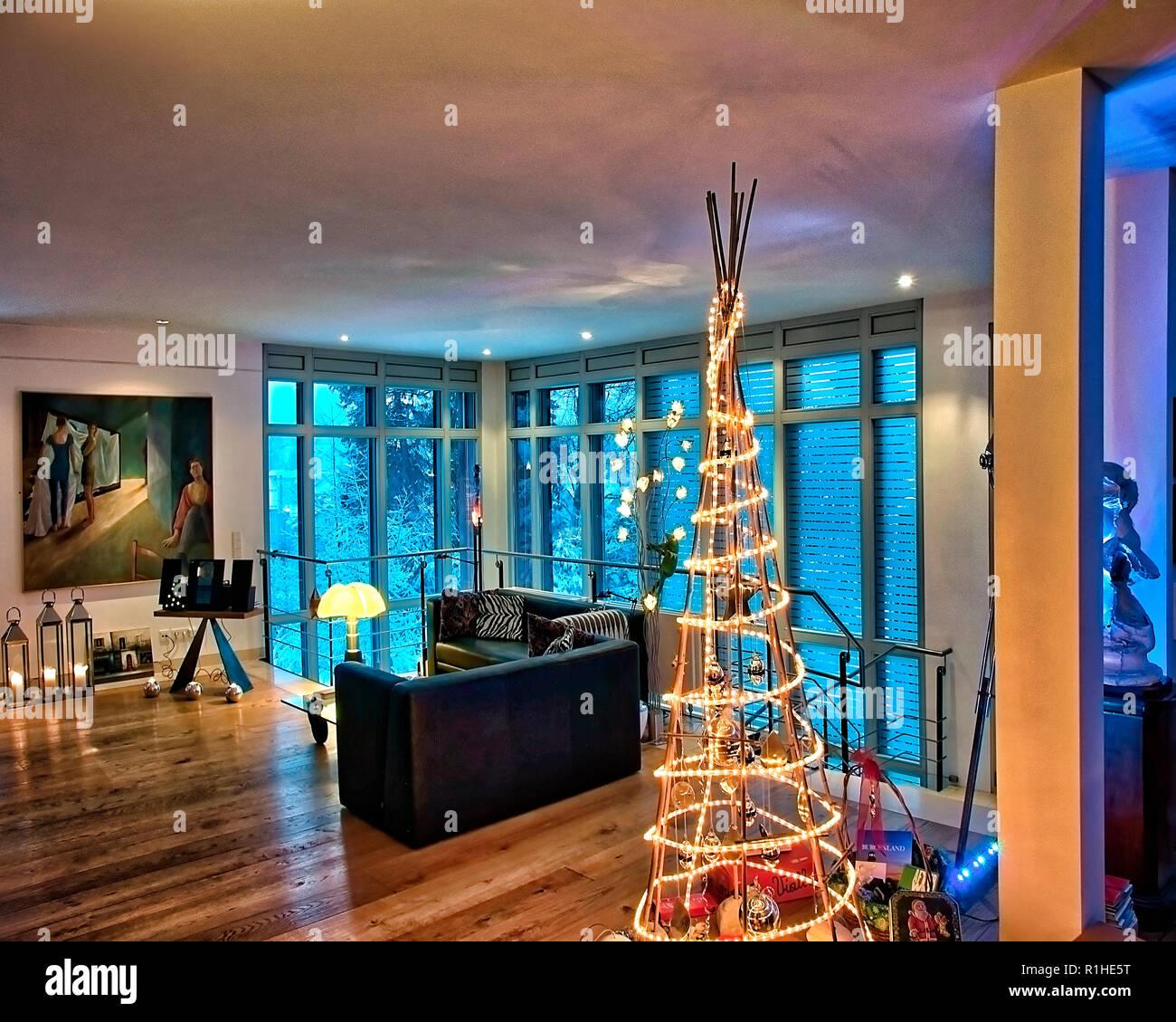 Un concetto architettonico: Contemporanea Soggiorno a Natale (HDR-immagine) Immagini Stock
