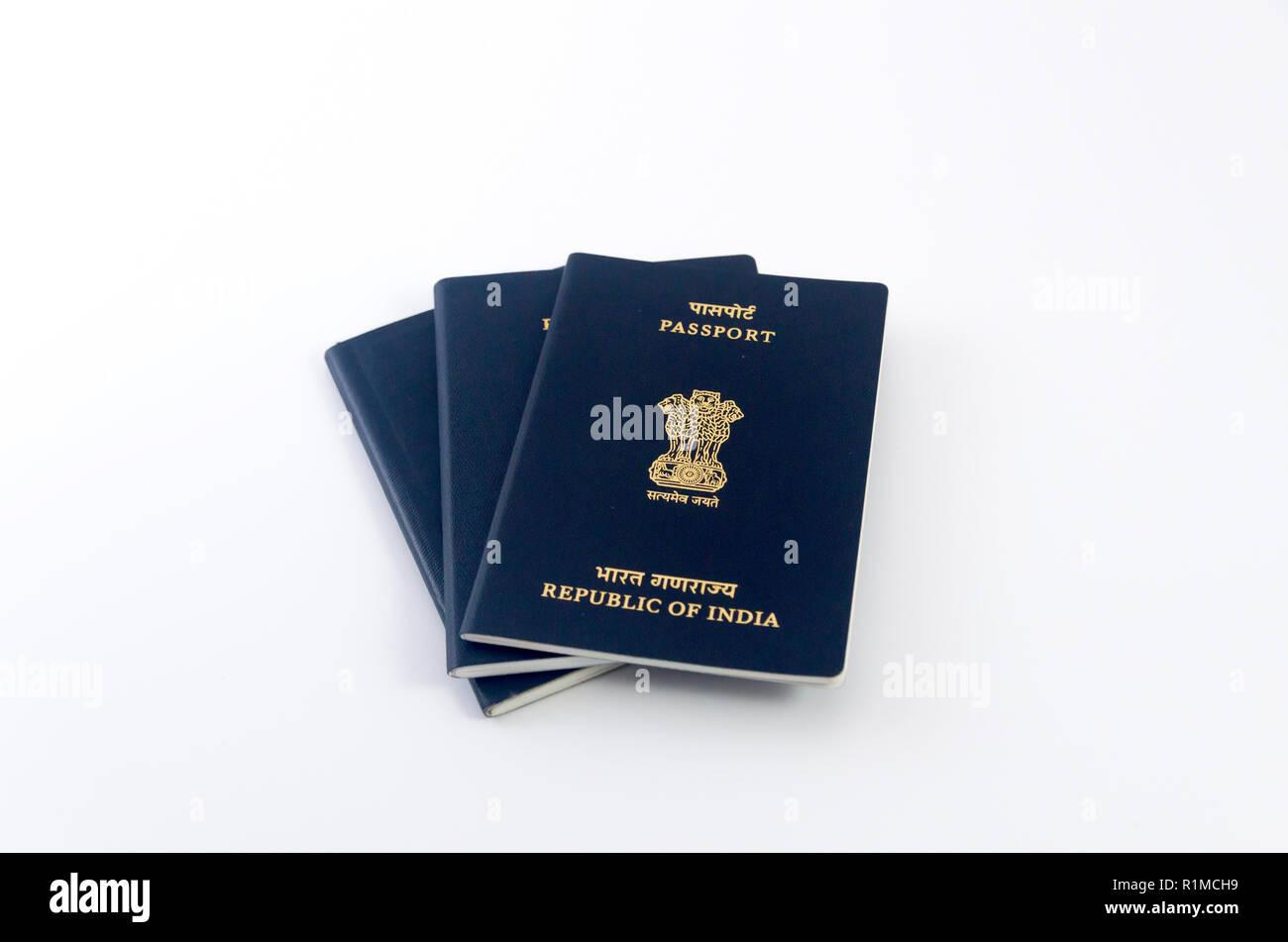 Tre Passaporti Indiano Con Sfondo Bianco Foto Immagine Stock