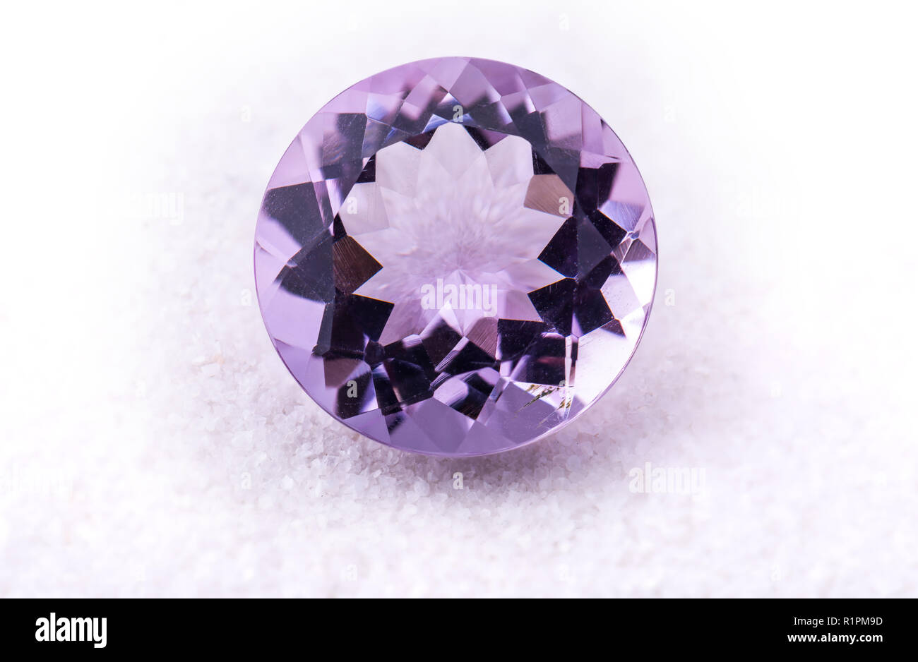Viola ametista pietre preziose gioielli foto con pietra nera e