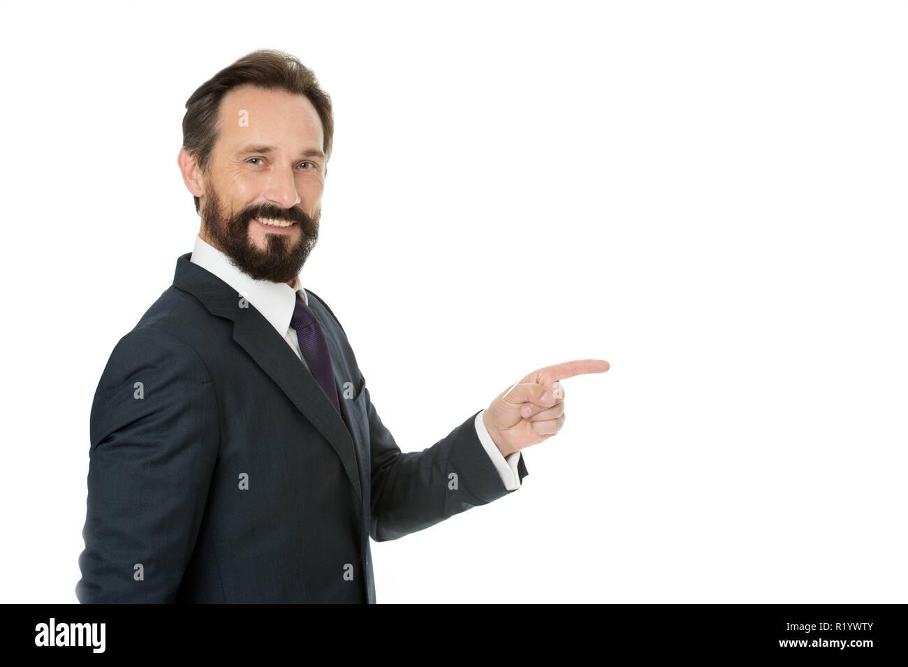 Concetto di uomo. L uomo puntare il dito isolato su bianco. Uomo Barbuto e43745fb5285