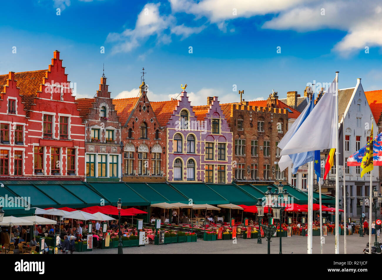 Vecchia Piazza del Mercato di Bruges, Belgio Foto Stock