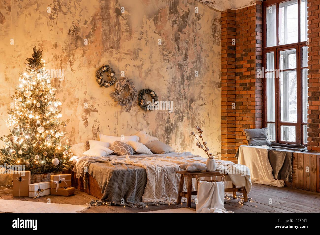 Candele Camera Da Letto : Appartamenti loft un muro di mattoni con candele e con albero di
