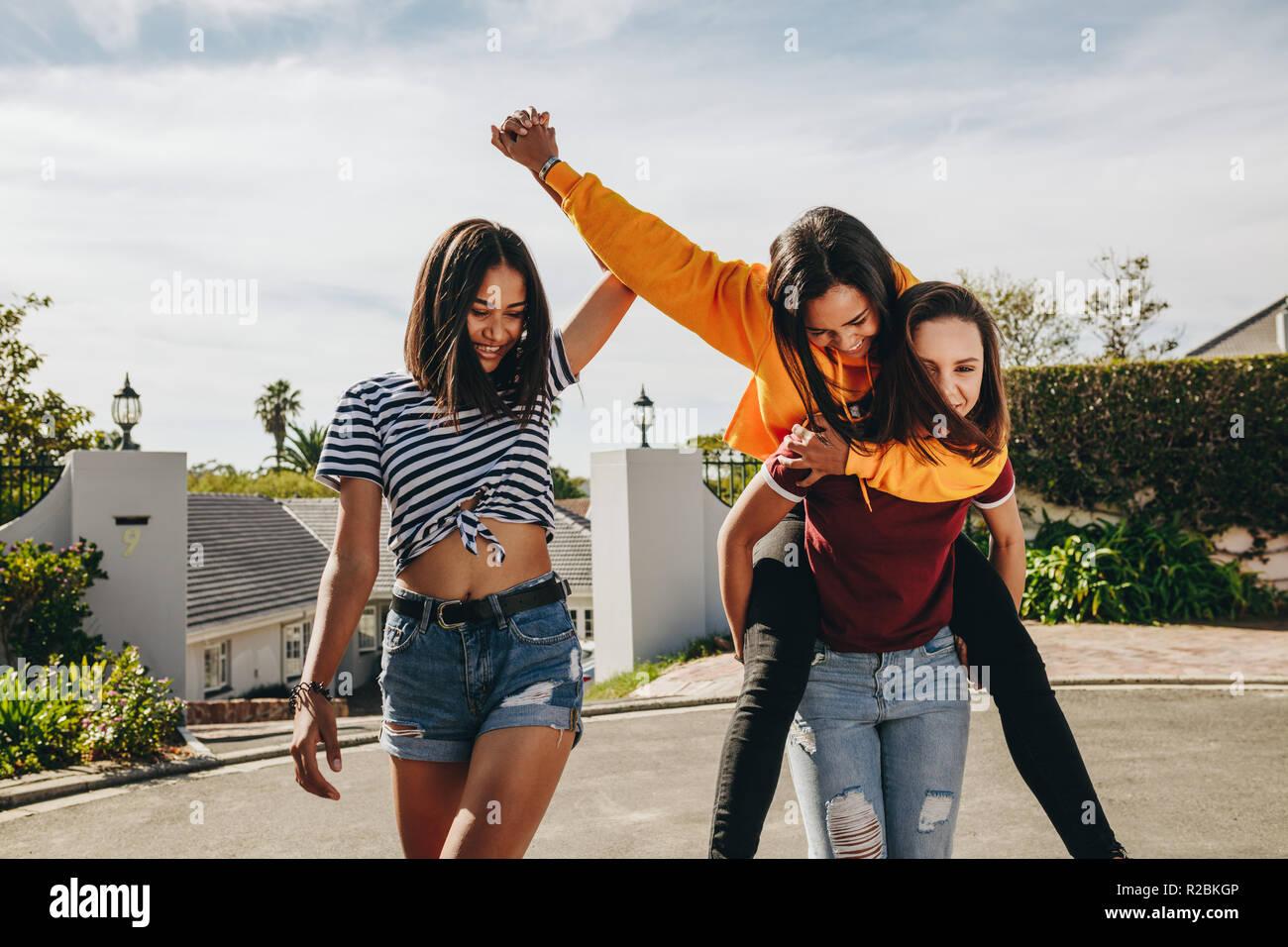 adolescenti neri tgp