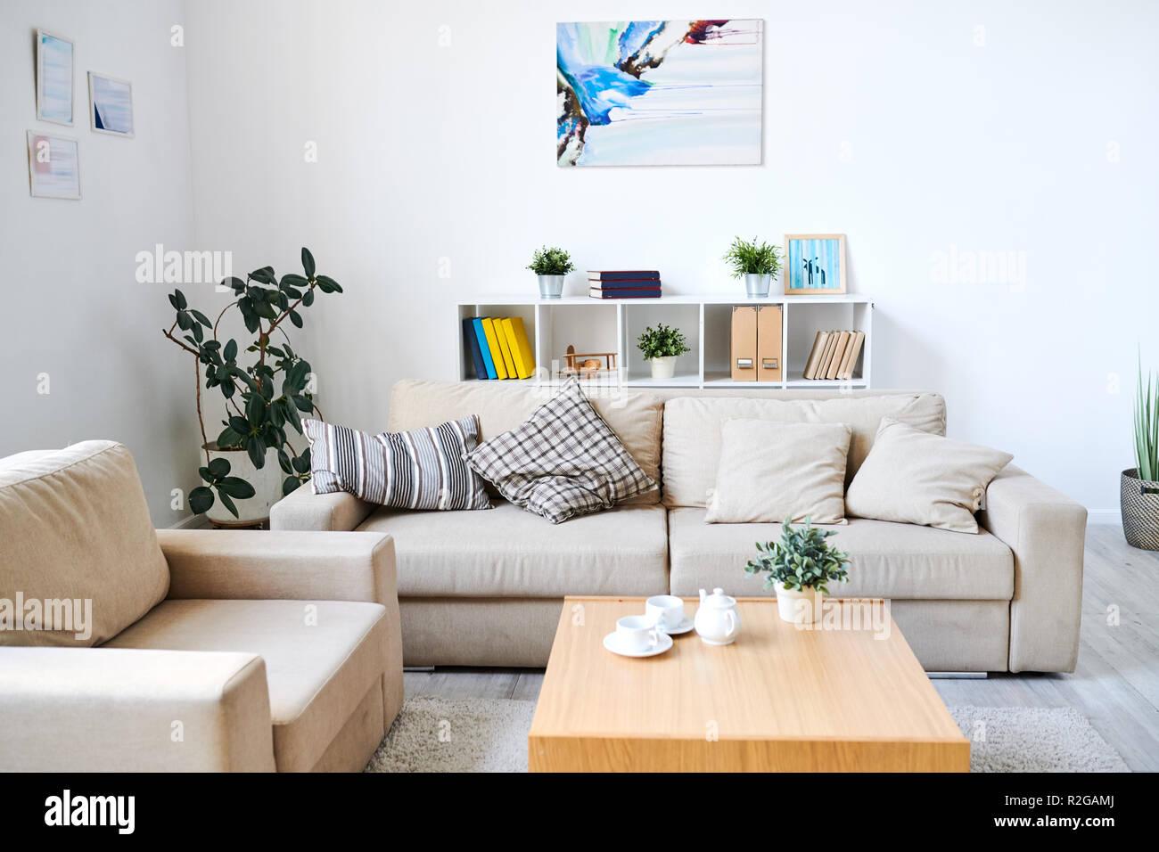 Gli interni moderni del soggiorno Foto Stock