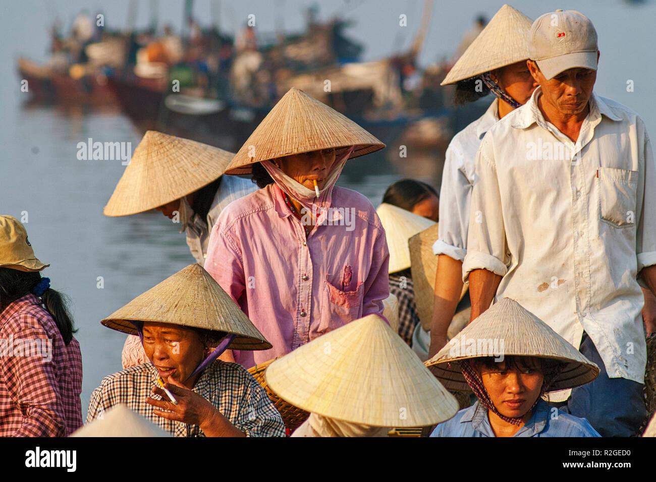 Fish Wearing Hat Immagini   Fish Wearing Hat Fotos Stock - Alamy 59d2b2e59379