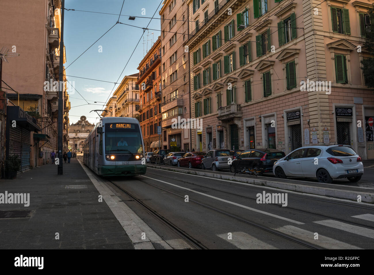 11/09/2018 - Roma, Italia: domenica pomeriggio nel centro della città, su strada con mezzi di trasporto ATAC che porta a Piazzale Flaminio e Piazza del Popolo. Immagini Stock