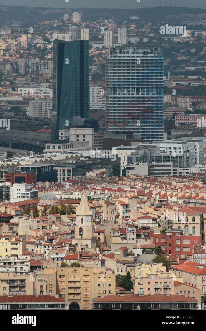 Contrasti architettonici. Marseille, Francia Foto Stock
