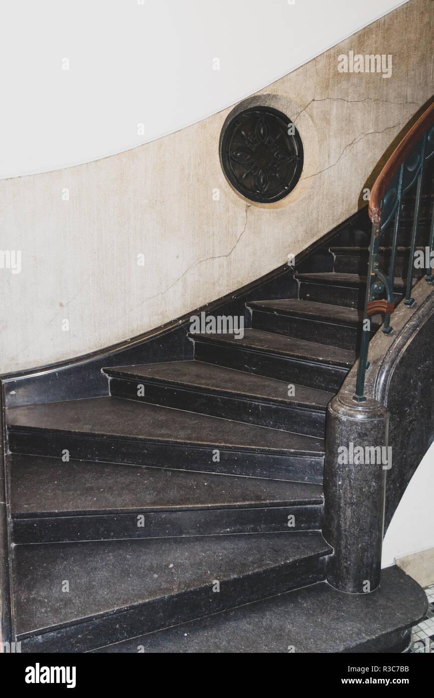 Scala In Marmo Nero nero scala di marmo foto stock - alamy