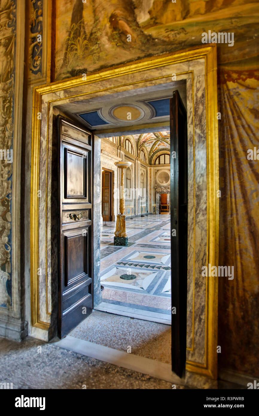 Italia, Roma, la sala da ballo, Villa Farnesina alla Lungaretta Immagini Stock