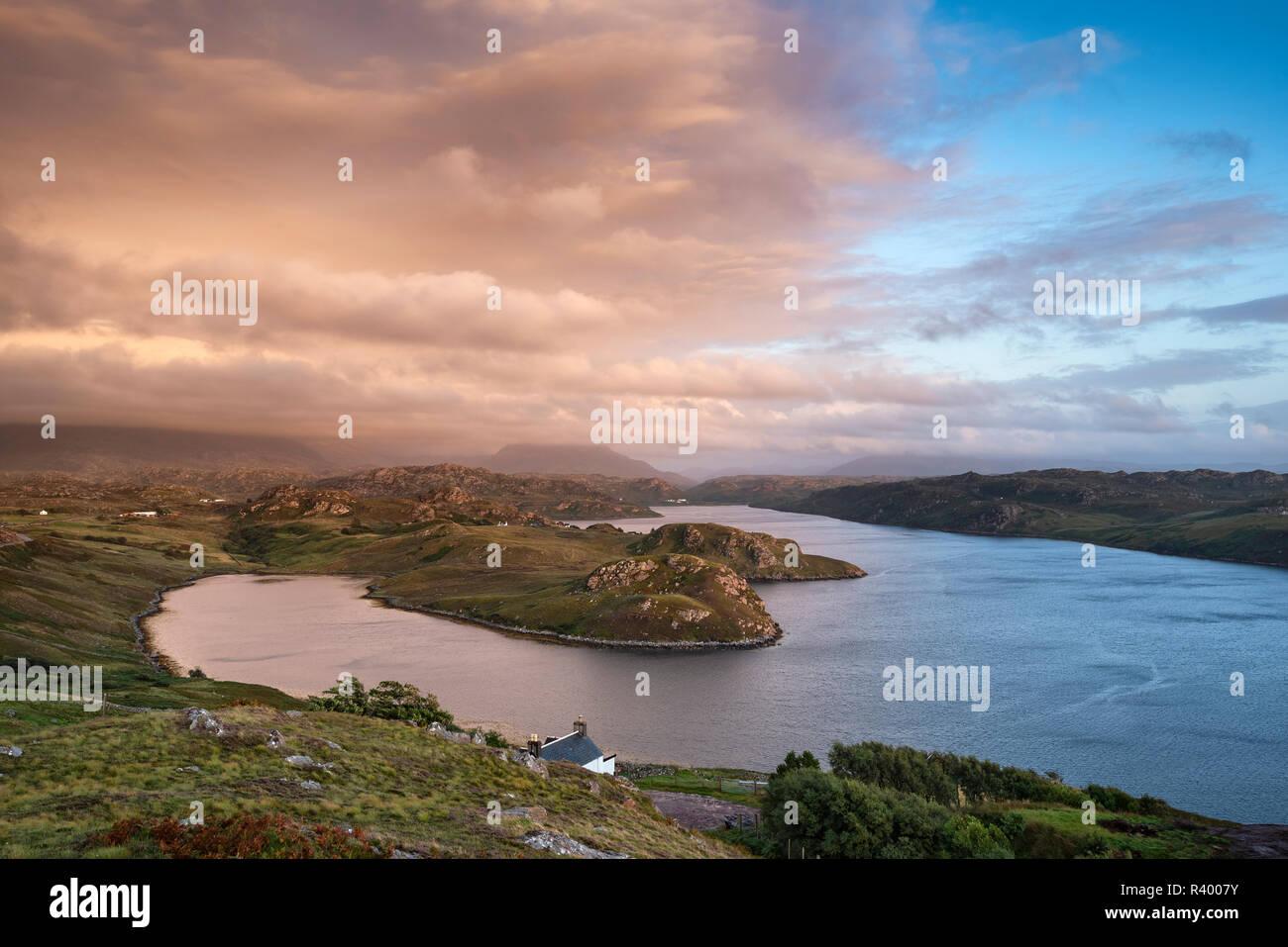 Atmosfera Cloud oltre il mare l'ingresso Loch Inchard, Kinlochbervie, Sutherland, Nord-Ovest Highlands, Scotland, Regno Unito Foto Stock