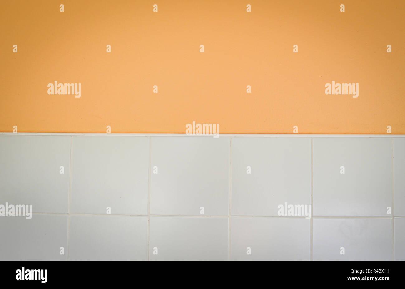 Mezza parete o pavimento sfondo arancione marrone parete vuota e