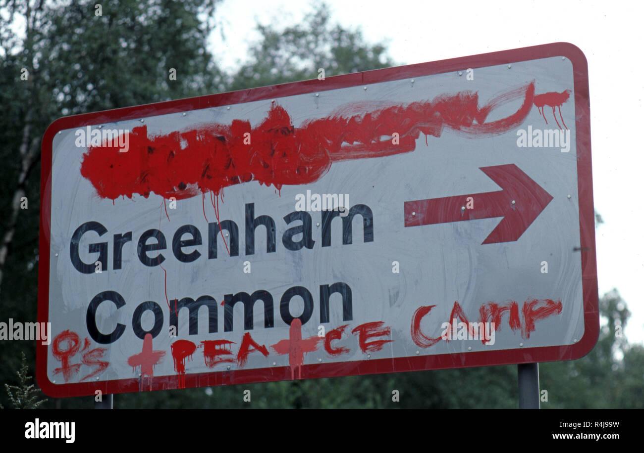 Greenham Common rovinato cartello stradale Immagini Stock