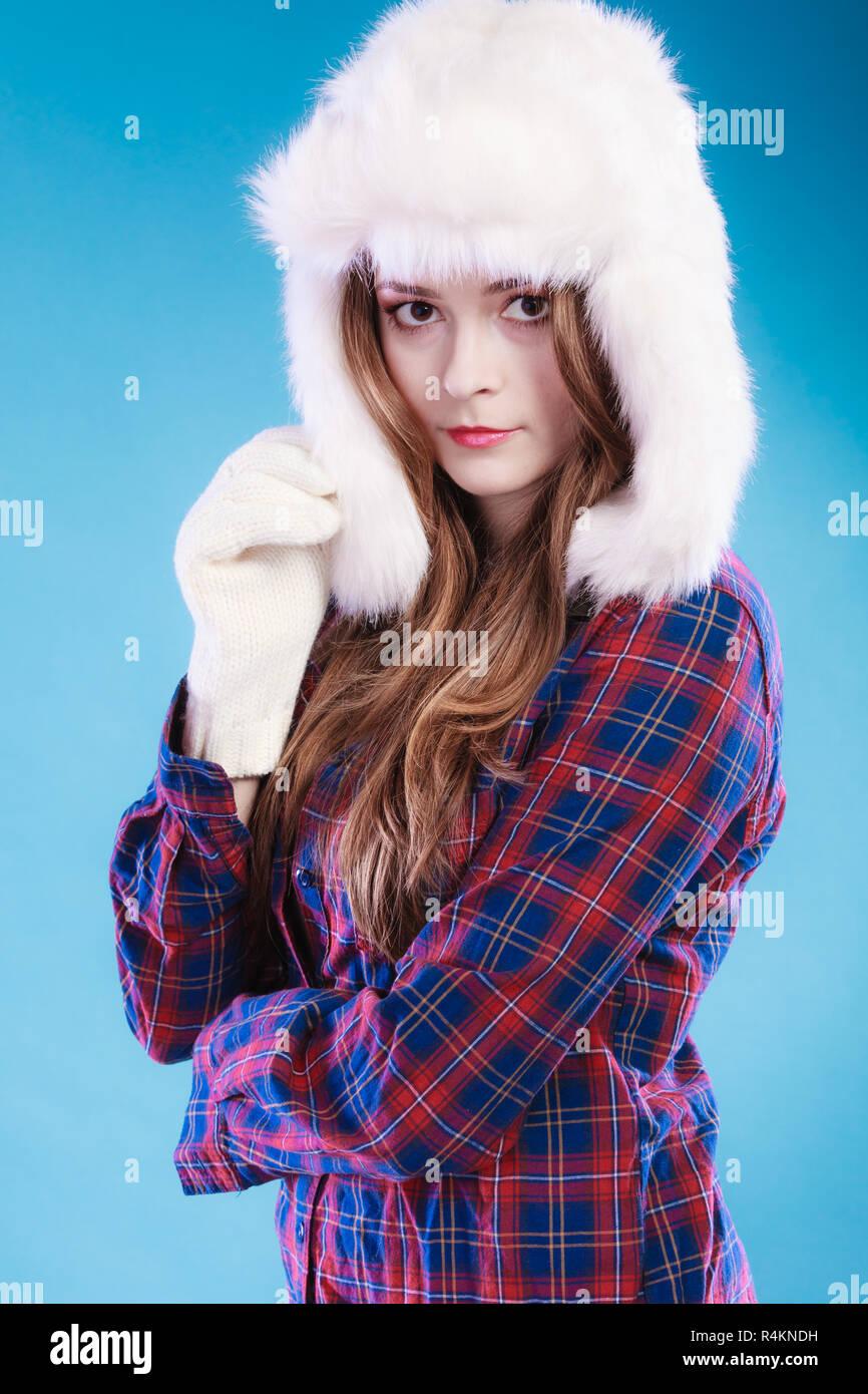the best attitude 382a0 df70f Inverno moda. Vicino la giovane donna indossa moda inverno ...