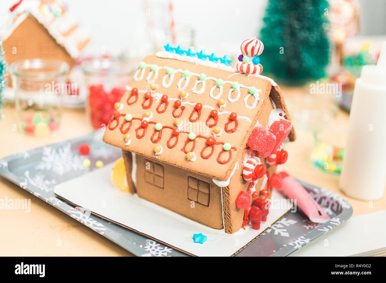 Casette Per Bambini Piccoli : Decorazione per bambini piccoli gingerbread case al natale partito